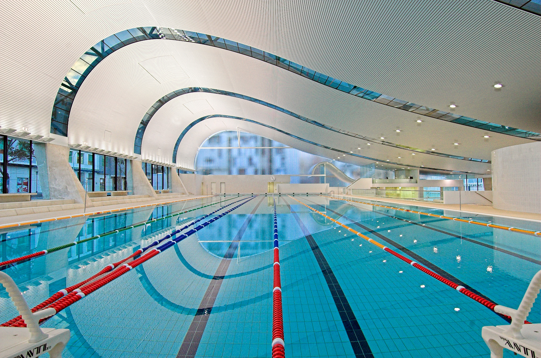 Harry seidler associates ian thorpe aquatic centre for Pool design kelowna